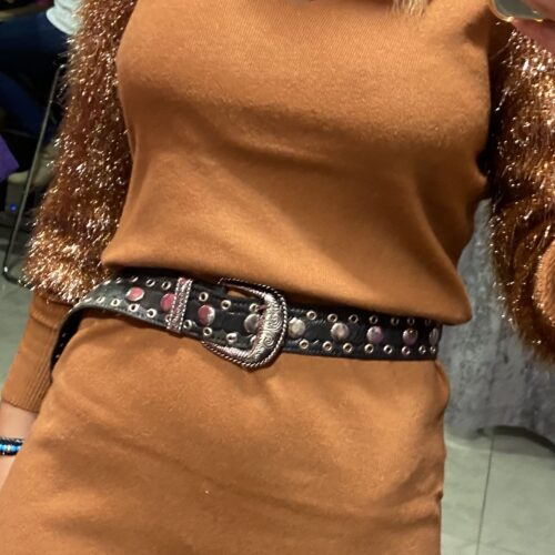 cinturón cuero tachas